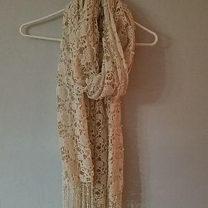 BOHO Lucky brand crochetd scarf
